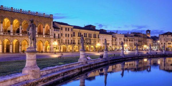 Splendida Piazza di Prato della Valle a Padova